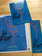 LA FLOR, Mariano Llinas : 1 Plaquette (4 Pages), 1 Carte Postale (20x40 Cm) & 1 Marque Pages (20x7 Cm) - Non Classificati