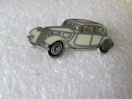 PIN'S   CITROEN  TRACTION  Zamak - Citroën