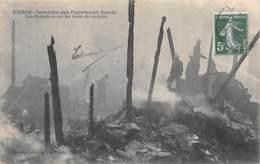 POMPIERS - Paris Incendie Des Papeteries Levée - Les Pompiers Sur Les Lieux De Sinistre - Métier - Sapeurs-Pompiers