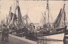 Nieuwpoort Nieuport Visserssloepen In De Haven ( Boot Bateau ) - Nieuwpoort