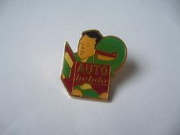 PIN'S PINS AUTO HEBDO - Badges