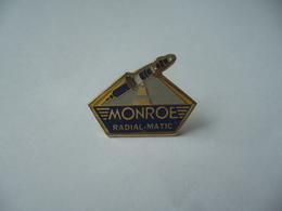 PIN'S PINS MONROE RADIAL MATIC THÈME AMORTISSEURS - Badges