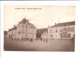 DEP. 36 CHABRIS - PLACE DE L'HOTEL DE VILLE Enfants, Bicyclettes, Circulée - France