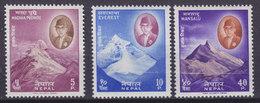 Nepal 1960 Mi. 135-37   Mountains Berge Machapuraré Mount Everest Manaslu Complete Set, MH* - Nepal