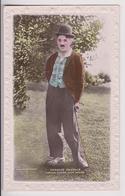 CARTE PHOTO DE CHARLIE CHAPLIN - CHARLOT - FAMOUS CINEMA STAR SERIES - J. BEAGLES & GO LTD POSTCARDS - 2 SCANS - - Artisti
