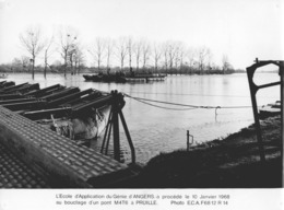 """-MILITAIRE -Ecole D'Application Du Génie D'ANGERS- """"Bouclage D'un Pont M4T6 à PRUILLE. Photo E.C.A.- - Guerre, Militaire"""