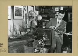 PHOTO DE PRESSE - PHILIPPE VILMART  Expert En Instruments Scientifiques Et Objets De La Marine 1984 - Métiers