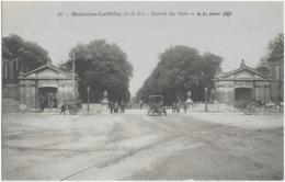 MAISONS-LAFFITTE - ENTREE DU PARC - BELLE ANIMATION - 1920 - Maisons-Laffitte