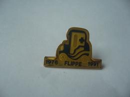 PIN'S PINS 1976.FLIPPE . 1991 - Badges