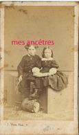 CDV  Famille DE MONTIGNY-  Gonzague Et Thérèse DE BRISOULT Et Leur Jouet Tambour-photo Yvon à Vendôme - Anciennes (Av. 1900)