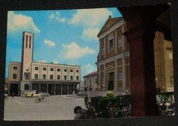 BOLOGNA - San Giovanni Persiceto - Piazza - Piaggio Vespa Donna In Bicicletta - 1966 - Bologna
