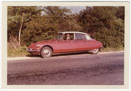 Portrait D'une DS Avec Madame Dedans.  Tirage Original D'époque,  1960  FG1082 - Automobiles