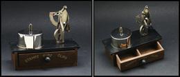 """Pèse-lettres. Archambaud N°59, Pèse-lettres Et Distributeur De Timbres, Avec Tiroir En Façade Marqué """"Stamps-Pins-Clips"""" - Stamp Boxes"""