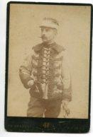 PHOTOGRAPHIE 0263 AMIENS Militaria Officier Belle Veste Uniforme No 3 Col Photog Ch HERBERT   Dim 14 Cm X10 Cm - Amiens