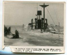 PHOTOGRAPHIE 0274 MARINE De Guerre Canot Sauvetage Naufrage Bateau Cotes Américaines -  Dim 18 Cm X 15 Cm - Barche