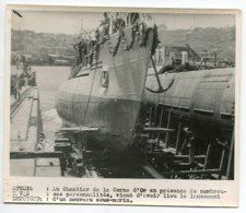PHOTOGRAPHIE 0279  MARINE  Turquie Au Chantier De La Corne D'Or Lancement Nouveau Sous Marin    Dim 18 Cm X 15 Cm - Bateaux