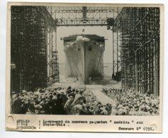 PHOTOGRAPHIE 0278  MARINE  Lancement Du Nouveau Paquebot AMERICA Aux Etats Unis     Dim 18 Cm X 15 Cm - Barche
