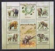 V765. Mozambique - MNH - 2010 - Nature - Animals - Elephants - Pflanzen Und Botanik