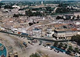 33- BLAYE- VUE AERIENNE- COURS DU PORT AVEC L'HOTEL BELLEVUE-AUTOMOBILES ANCIENNES 1960/70-ANIMEE- CPSM - Blaye