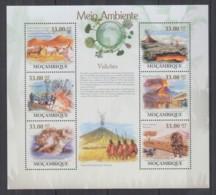 W974. Mozambique - MNH - 2010 - Nature - Volcanoes - Plants