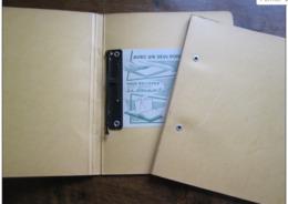 2 Classeurs 24x19 Cm : Tri Clip (années 60) Jaune & Bleu - Alte Papiere