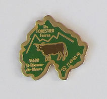 1 Pin's VACHE - Ets FORESTIER FRERES - Animaux