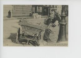Une Marchande Des Quatre Saisons - Les Petits Métiers à Paris - C'était La France N°8 Cp Vierge - Artisanry In Paris