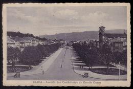 Postal Antigo BRAGA - Avenida Dos Combatentes Da Grande Guerra. Edição Luvaria Monteiro. Old Postcard PORTUGAL - Braga