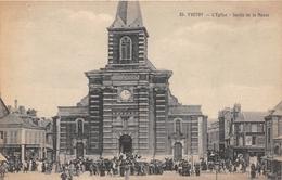 YVETOT - L'Eglise - Sortie De La Messe - Yvetot