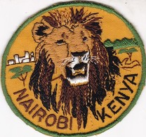 CHASSE / RESERVE / LION / TRES BEL ECUSSON KENYA NAIROBI - Ecussons Tissu