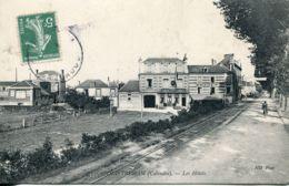 N°8658 -cpa Ouistreham -les Hôtels- - Ouistreham