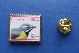 Pin's,HELVETIA,OISEAU,VOGEL,BIRD,PRO JUVENTUTE 1995,SUISSE - Animaux