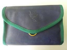 Aviation Sabena Trousse Garnie 1ère Classe Bleue Et Verte Avec Colombe Chaussettes Dentifrice Masque Chausse-pied ... - Advertenties