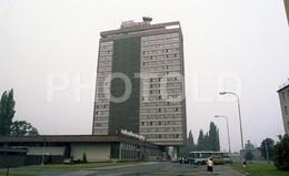 80s HOTEL OLYMPIK PRAGUE CZECH REPUBLIC CZECHIA AMATEUR 35mm ORIGINAL NEGATIVE Not PHOTO No FOTO - Fotografia