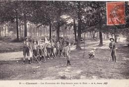 CPA   Clamart (92) Scoutisme Les Exercices Des Boy-scouts Sous Le Bois    EBF 24 - Clamart