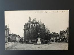 CP122 - LE NEUBOURG 27 - L'Eglise (côté Nord) Et La Statue De Gambetta - Le Neubourg