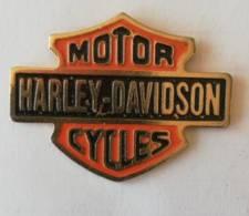 Pin's - HARLEY-DAVIDSON - Logo  ( Dos Argenté) - Motos