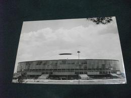 ROMA E.U.R. PALAZZO DELLO SPORT - Stades & Structures Sportives