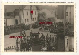 WW2 RARE ! PHOTO ORIGINALE Soldats Allemands & Villageois Fanfare à DOCELLES Près Bruyères Epinal VOSGES 88 - 1939-45