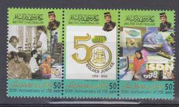 BRUNEI     2002      N °   616 / 618      COTE     3 € 75         ( Q 303 ) - Brunei (1984-...)