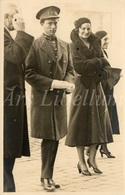 Postcard / CPA / ROYALTY / Belgique / België / Reine Astrid / Koningin Astrid / Koning Leopold III / Porte De Hal / 1932 - Personnages Célèbres