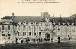 - 14 - LISIEUX. - Les Tribunaux. - Construit Par Mondrigneur Léonor De Matignon En 1680 - Cliché Tribouillard - - Lisieux