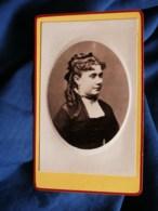 Photo CDV H. Nastorg à Paris - Portrait émaillé Embossé Jeune Femme, étude De Coiffure, Circa 1875 L498M - Photos
