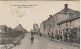 CPA  49   Saint Laurent De La Plaine  Route De Bourgneuf       ---- Marechal Ferrant -- Charron - France