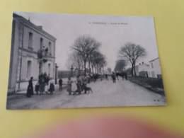 CPA 17 FERRIERES (d'Aunis) ROUTE DE MAUZE - France