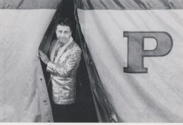 CPM Claude Brunel, Magicien - Prestidigitateur, 1989 (photo Kervinio, Tirage 150 Ex.) (cirque Pinder) - Cirque