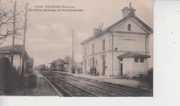 33 VAYRES  -  La Gare, Passage Du Sud-Express  - - Autres Communes