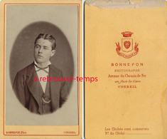 CDV Beau Jeune Homme-photo Bonnefon Avenue Du Chemin De Fer à Corbeil - Fotos