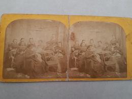 Plaque Stéréoscopique D'un Groupe De Dentellières Vers 1890 (papier Albuminé) - Stereoscopic