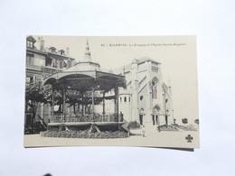 Le Kiosque Et L'Eglise Saint Eugenie - Biarritz